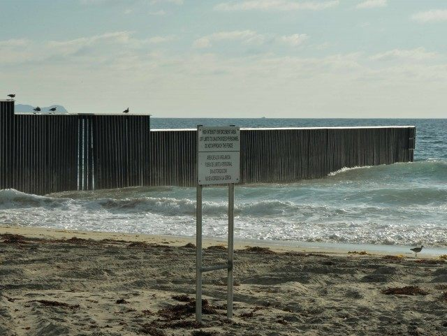 Mexico border sea beach (Mark Ralston / AFP / Getty)