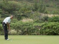 More Obama golf (Nicholas Kamm / AFP / Getty)