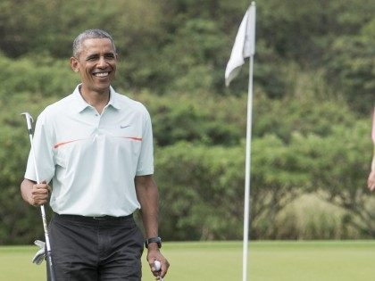 Obama Golf (Nicholas Kamm / AFP / Getty)