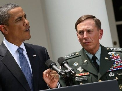 Obama Petraeus (Mark Wilson / Getty)