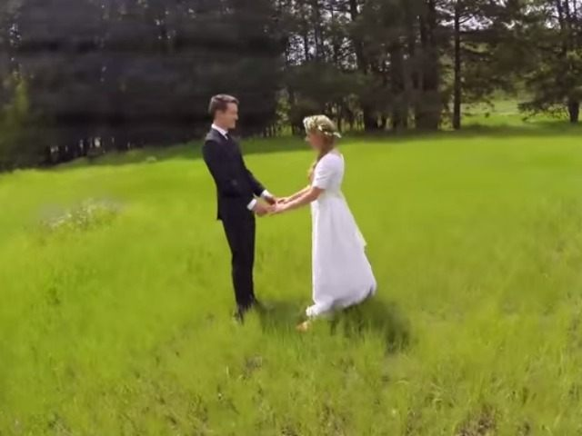 AMERICAN FORK Utah June 12 UPI A Man Using Drone To Take Beautiful Aerial Wedding Photography Shared Video Showing How His Attempt Came