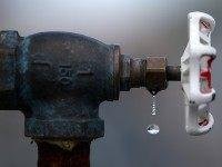 Water faucet (Justin Sullivan / Getty)
