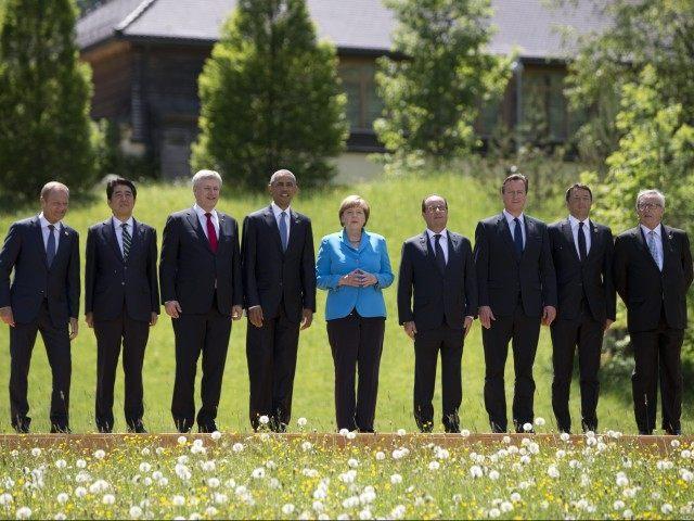 Barack Obama, Angela Merkel, Donald Tusk, Shinzo Abe, Stephen Harper, Francois Hollande, David Cameron, Matteo Renzi, Jean-Claude Juncker