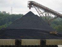 A bulldozer works a coal mound at the Appalachian Electric Power coal-fired Big Sandy Power Plant June 3, 2014 in Cattletsburg, Kentucky. New regulations on carbon emissions proposed by the Obama administration have reportedly angered politicians on both sides of the aisle in energy-producing states such as Kentucky and West …