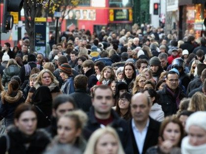 UK Immigration Hits Record High AGAIN – 636,000 Entries In 12 Months