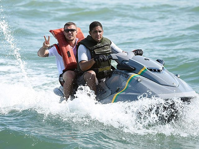 breitbart.com - Spanish Police Crack Gang Moving Migrants on Jet-Skis