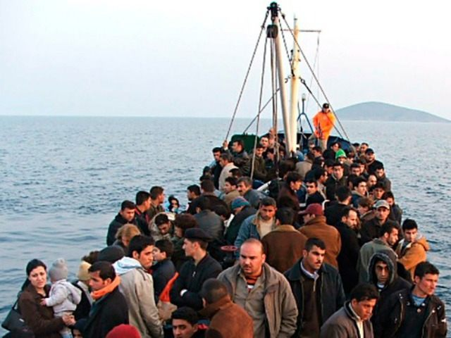 migrants-to-lesbos-Reuters