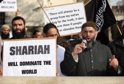 EXCLUSIVE – Radical UK Preacher: British Muslims Want Their Own Islamic Nation