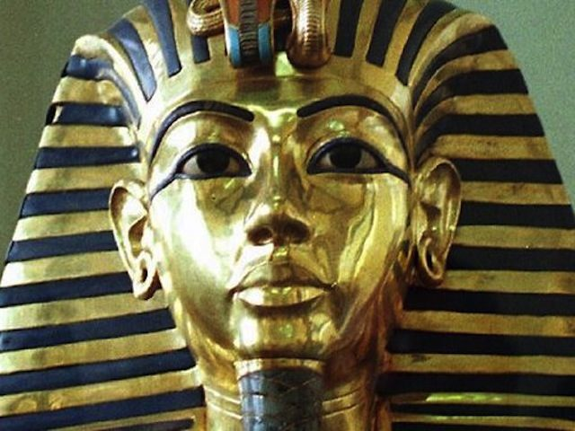 438305-phar-roasted-king-tut-039-cooked-039-in-tomb