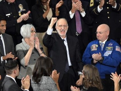 Alan Gross (Brendan Smialowski / Getty)