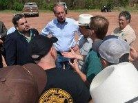 Texas Lt. Governor David Dewhurst, Land Commissioner Jerry Patterson and State Rep. Jonathan Stickland meeting along the Red River with BLM spokesman Paul McGuire in April, 2014. (File Photo: Breitbart Texas/Bob Price)