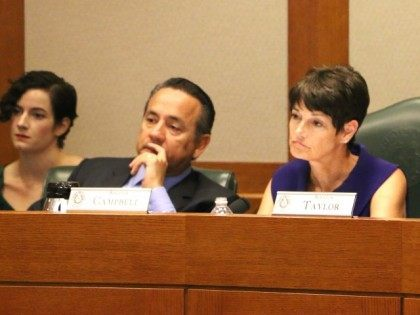 Senators Carlos Uresti (L) and Donna Campbell (R) listening to testimony in Senate Committee investigating Planned Parenthood. (Photo: Texas Right to Life)