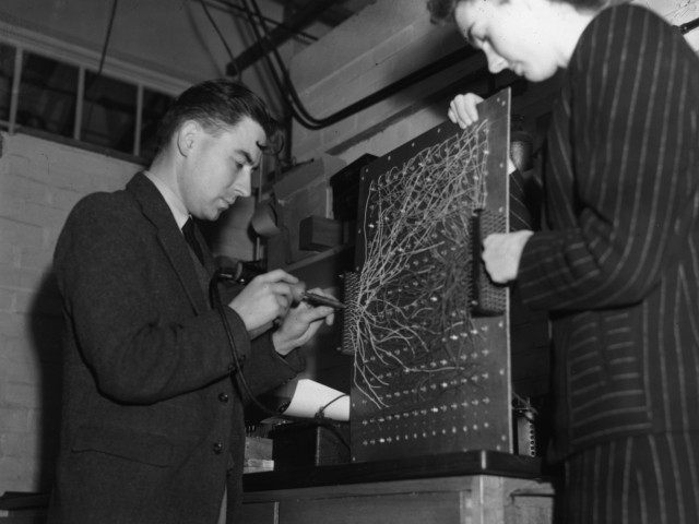 First Computer ENIAC (Keystone / Hulton Archive / Getty)
