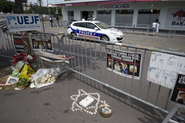 FRANCE-ATTACKS-CHARLIE-HEBDO-JEWS-HYPER-CACHER