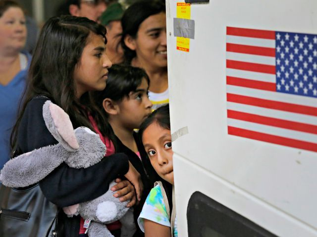 178 House Democrats Call for End to Illegal Immigrant Family Detention