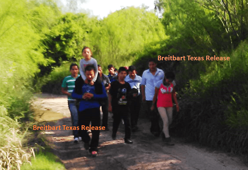 More family members crossing South Texas border. (Photo: Breitbart Texas leaked image)