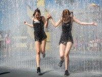 Londoners Enjoy The Hot Weather At The Southbank Centre