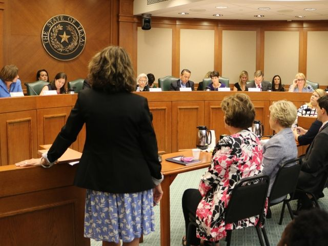 Senator Lois Kolkhorst (R-Brenham) questions witnesses before Senate committee investigating Planned Parenthood. (Photo: Texas Right to Life)