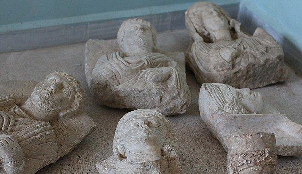 Palmyra statuettes