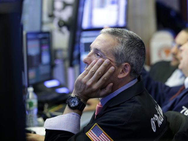 Dow sheds 420 points due to tariff concerns