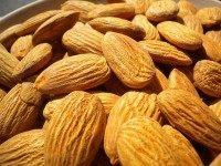 Almonds (HealthAliciousNess / Flickr / CC)