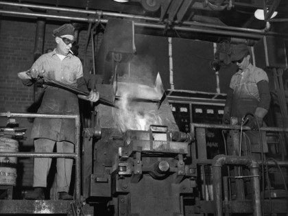 Factory workers 1956 (Three Lions / Hulton Archive / Getty)