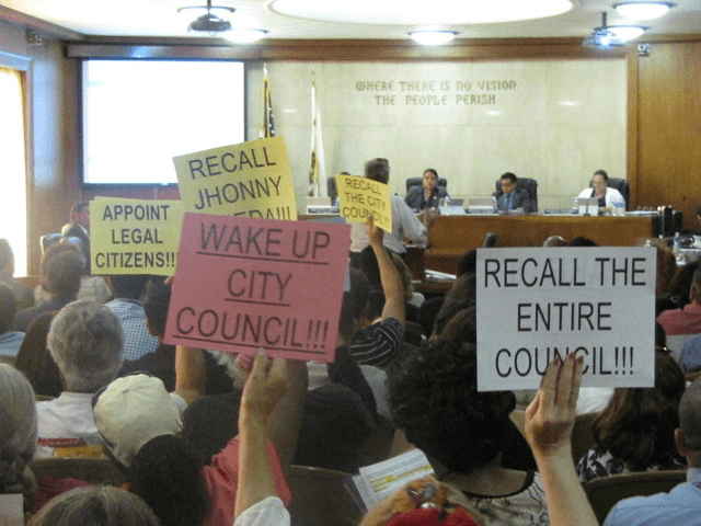 Huntington Park council (Michelle Moons / Breitbart News)