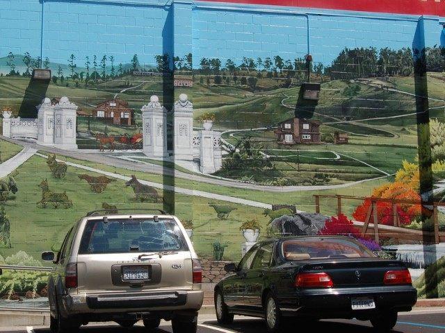 Oakland Mural (William Newtom / Flickr / CC / Cropped)