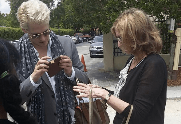 Milo Yiannopoulos and AEI's Christina Hoff Sommers check Twitter for news