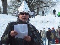 Tin foil hat (Raigo Pajula / AFP / Getty)
