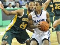 maine-player-guarding-vermont-dre-Wills-photo-portland-press-herald-john-John Patriquin-cropped