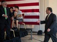 Exclusive: Chris Christie Campaign Defends Immigration Visa Reform