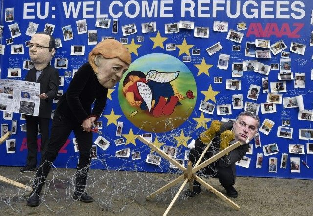 migrants protest