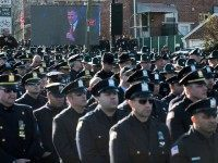 NY Cops Turn Backs on de Blasio AP PhotoJohn Minchillo