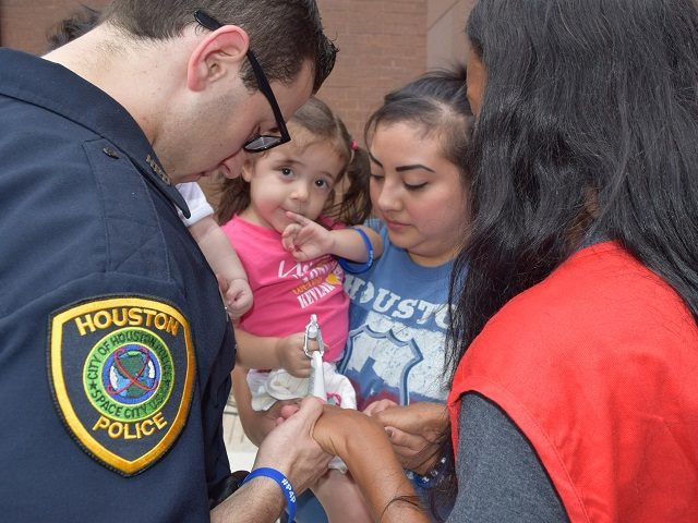 Prayers for Police in Houston, Texas. (Photo: Breitbart Texas/Bob Price)