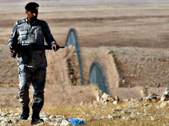 Soldier Patrols Saudi Arabian Border Fayez NureldineAFP