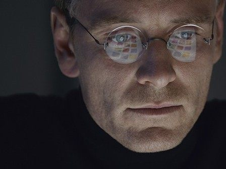 1000w_steve-jobs-movie-2015-holding