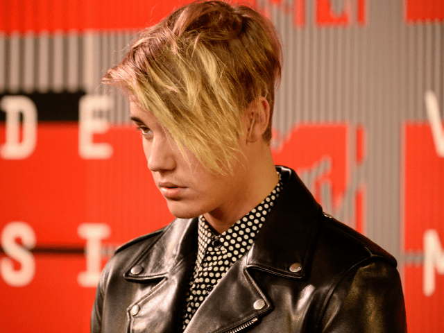 Justin Bieber storms off stage after just one song