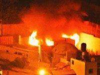 Palestinian Mob Burns Down Jewish Holy Site