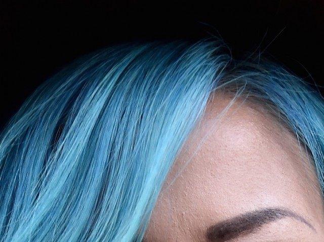 Blue hair (Mike Coppola / Getty)