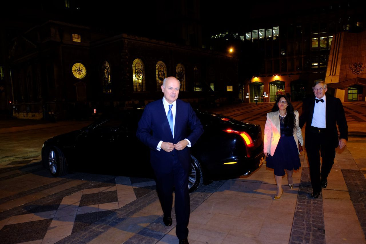 Iain Duncan Smith Forgoes The Black Tie  (Breitbart London/Rachel Megawhat)