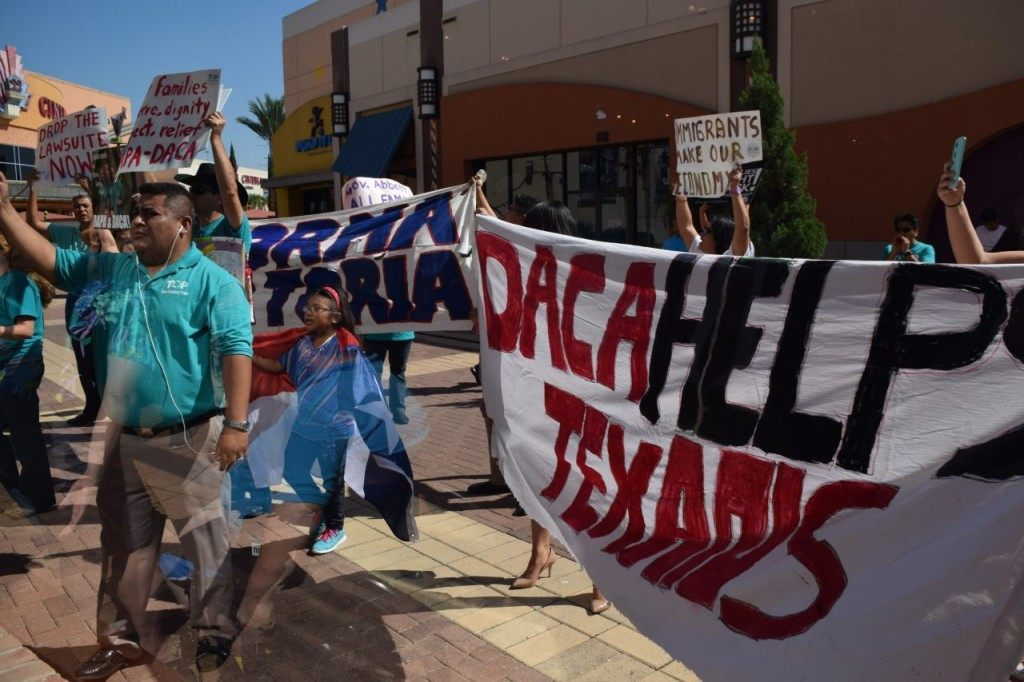 Protesters outside Abbott grass roots rally. (Breitbart Texas Photo/Bob Price)