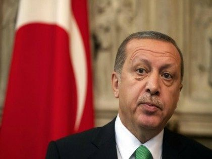 France Dissolves Islamist Group, Founder Requests Political Asylum in Erdogan's Turkey