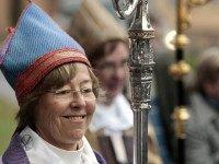 World's First Lesbian Bishop Calls for Church to Remove Crosses, to Install Muslim Prayer Space