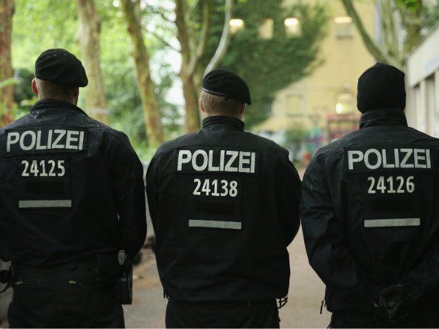 german police migrant crisis asylum seeker migrant violence