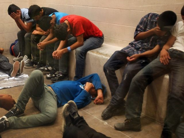 waves of immigrants caught from mexico increases each year