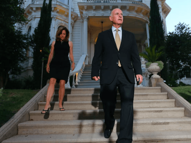 Jerry Brown Governor's Mansion (Rich Pedroncelli / Associated Press)