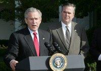 George W. Bush Speaks, Praises Brother Jeb for 'Strong Backbone'