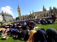 EXCLUSIVE: Hundreds of Muslims Pray In Parliament Square, London