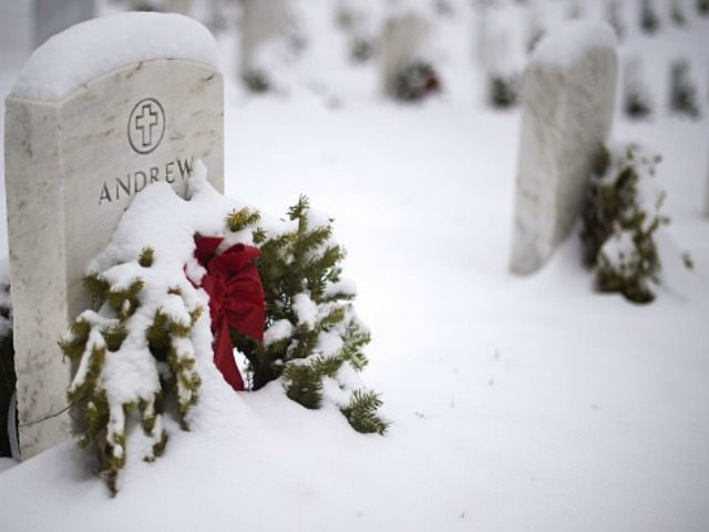 Charity Still Needs 7,500 Wreaths To Cover All Headstones In Arlington National Cemetery